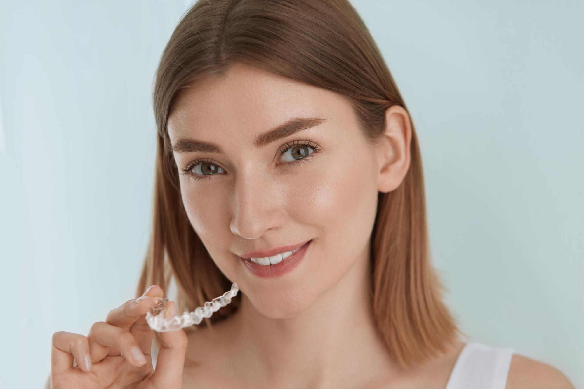 Какво е ортодонт и какво са брекети